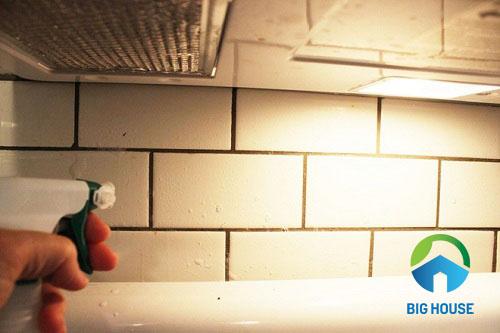 cách làm sạch gạch ốp tường 1