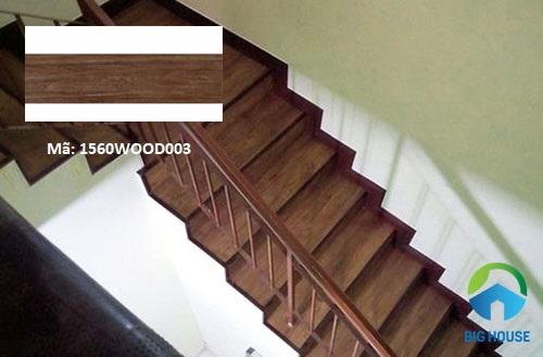 gạch ốp chân cầu thang