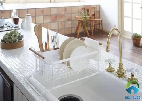 Gạch ốp bàn bếp dạng mosaic lạ mắt