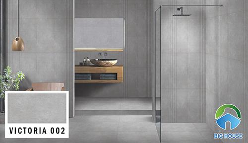 Mẫu gạch Đồng Tâm VICTORIA 002 với tông màu xám đậm. Cùng kích thước 30x60, sản phẩm thường được ốp tại những nhà vệ sinh có diện tích vừa và rộng.