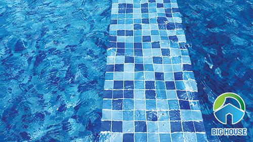 gạch ốp lát bể bơi